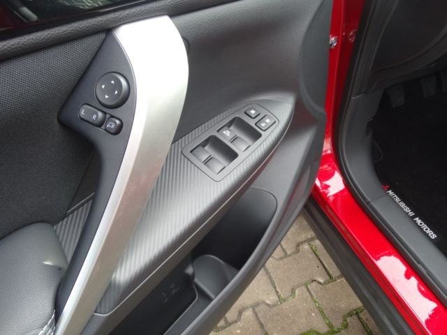 Mitsubishi Eclipse Cross 1.5l *Kamera*18&quot|Alu*Navi*Smart Key